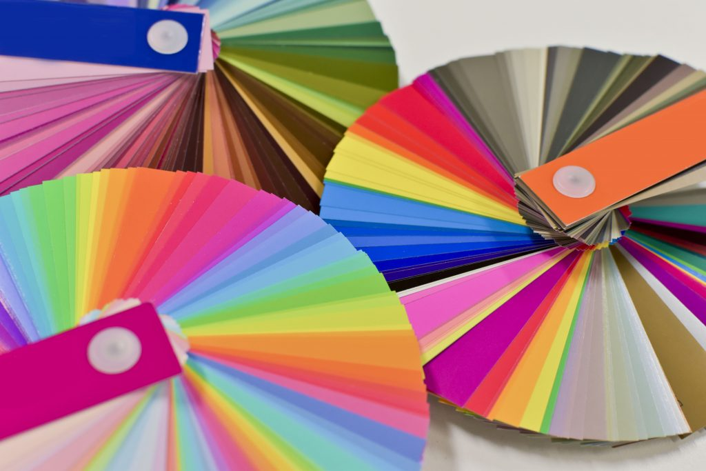 カラーコーディネートの資格とは|色を学んでプロフェッショナルに!